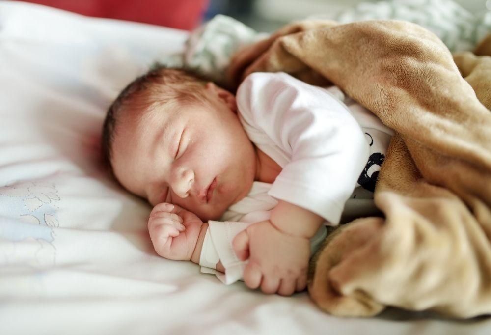 Jak się przygotować do pierwszej nocy dziecka w domu?
